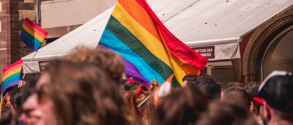 A LGBT Pride demonstratin. / Photo: Margaux Bellot (Unsplash, CC0),