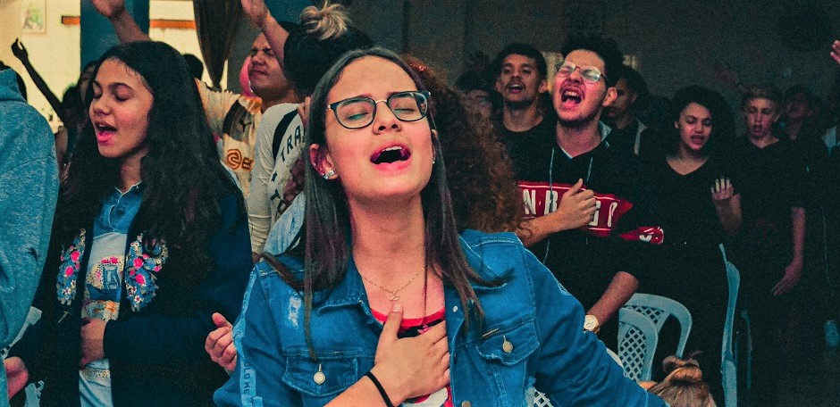 "A worship service of an evangelical church in Brazil. / <a target=""_blank"" href=""https://unsplash.com/@gabrielbrito"">Gabriel Brito</a>, Unsplash, CC0,"