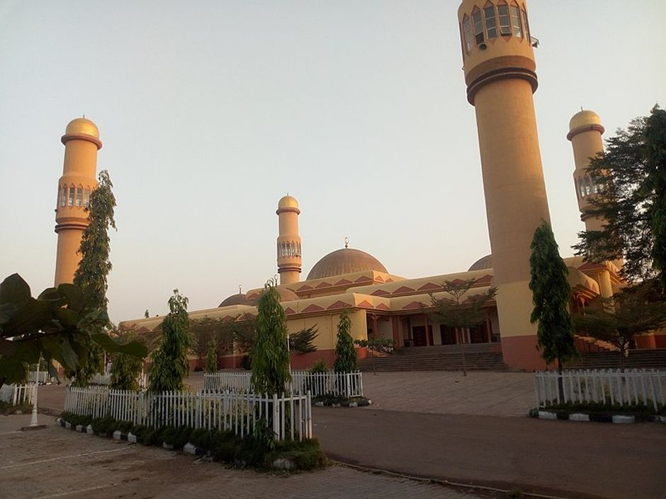"Sultan bello mosque, the central place of worship for Muslims in kaduna state. /  <a target=""_blank"" href=""https://commons.wikimedia.org/wiki/File:Sultan_bello_mosque_03.jpg""> Wikimedia Commons</a>.,"