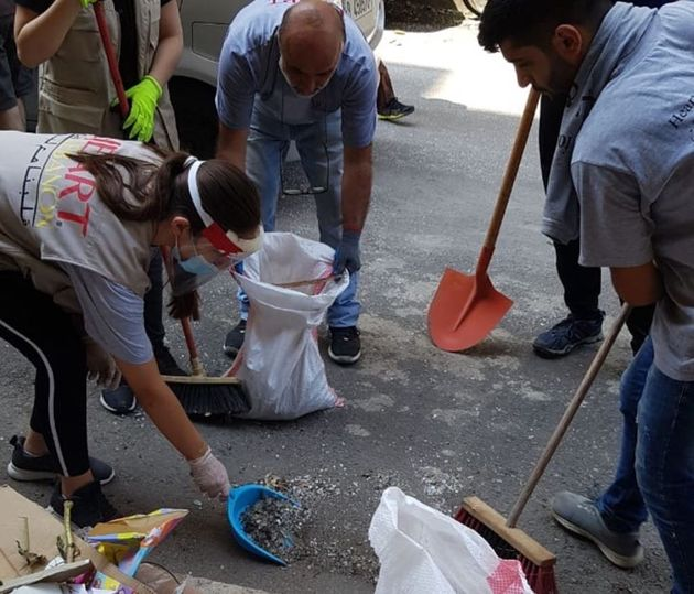 Lebanese Christians get involved in Beirut blast recovery
