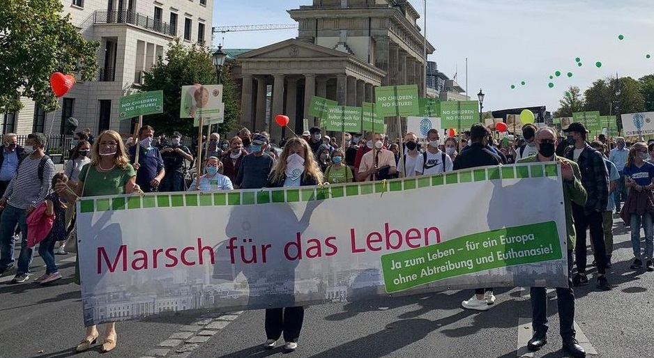 "Around 3,000 march for life in Berlin. / <a target=""_blank"" href=""https://www.facebook.com/BVLebensrecht/"">Bundesverband Lebensrecht Facebook</a>.,"