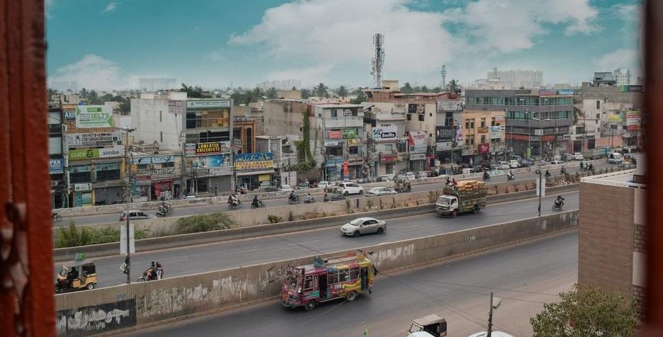"Karachi, Pakistan. / <a target=""_blank"" href=""https://unsplash.com/@usamaart7866"">Usama Tayyab</a>, Unsplash CC0.,"