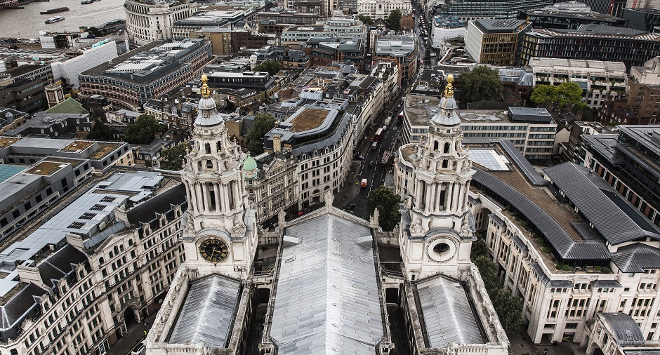"""Aerial view of St. Paul's cathedral in London. / <a target=""""_blank"""" href=""""https://unsplash.com/@thkelley"""">thomas Kelley</a>,"""