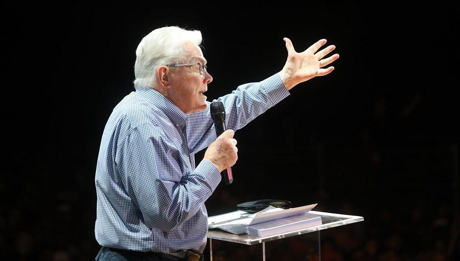 "Evangelist Luis Palau, preaching at his last evangelistic festival, in Madrid, 2019. / <a target=""_blank"" href=""https://www.luispalau.org/press"">Luis Palau Association</a>,"