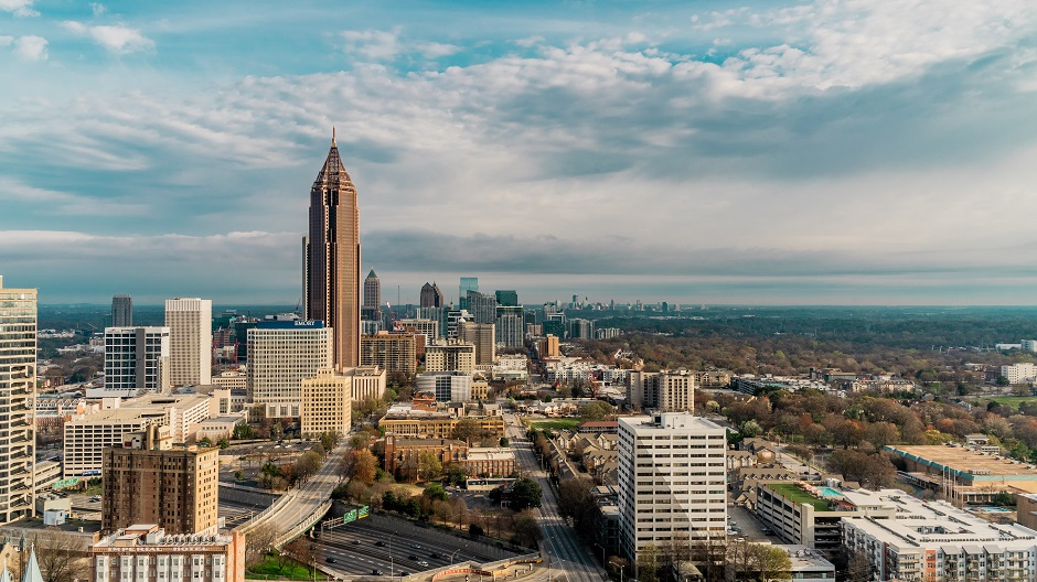 "A view of Atlanta, Georgia. / Photo: <a target=""_blank"" href=""https://unsplash.com/@ibutsubo"">Ibuki Tsubo</a>,"