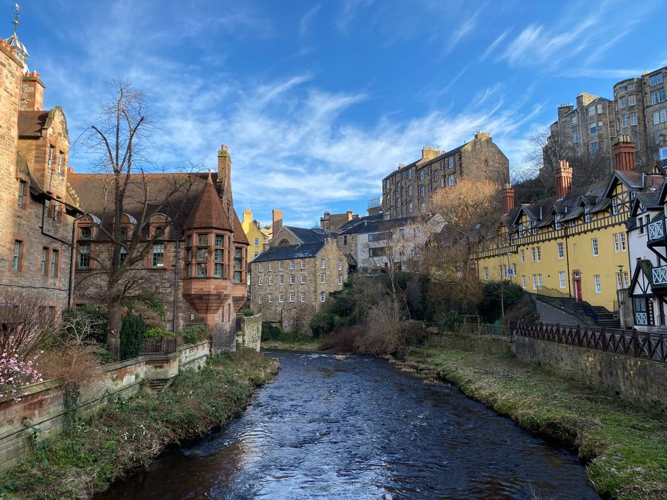 "Dean Village, Edinburgh,Scotland. / Photo: <a target=""_blank"" href=""https://unsplash.com/@imranp"">Imran Perwez</a>, Unsplash, CC0,"