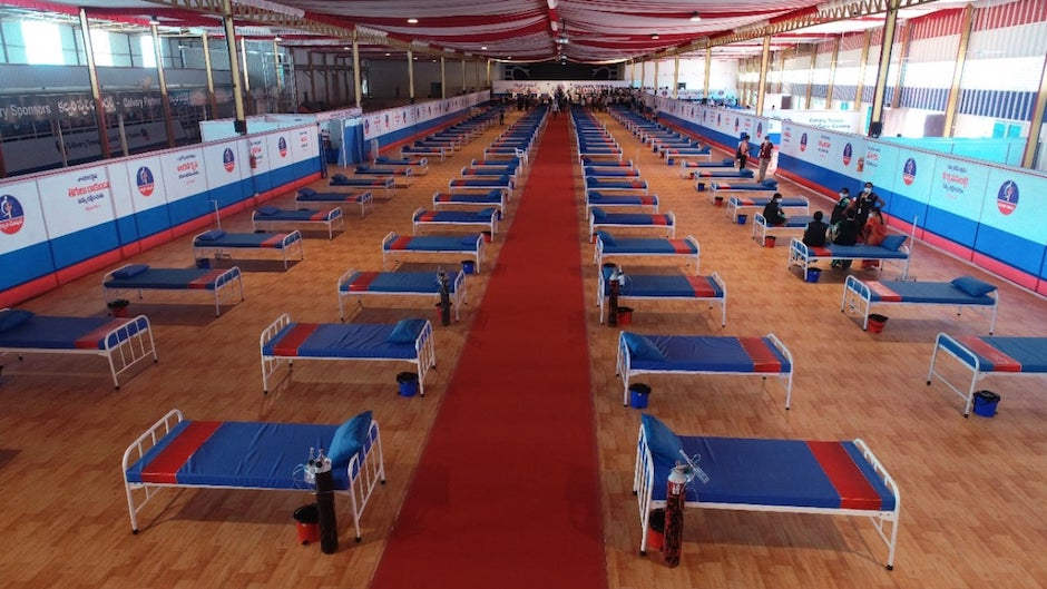 The makeshift hospital has 300 beds, 50 of which are oxygen beds. Treatment, medicines and food is provided free of cost. / Facebook Calvary Temple,