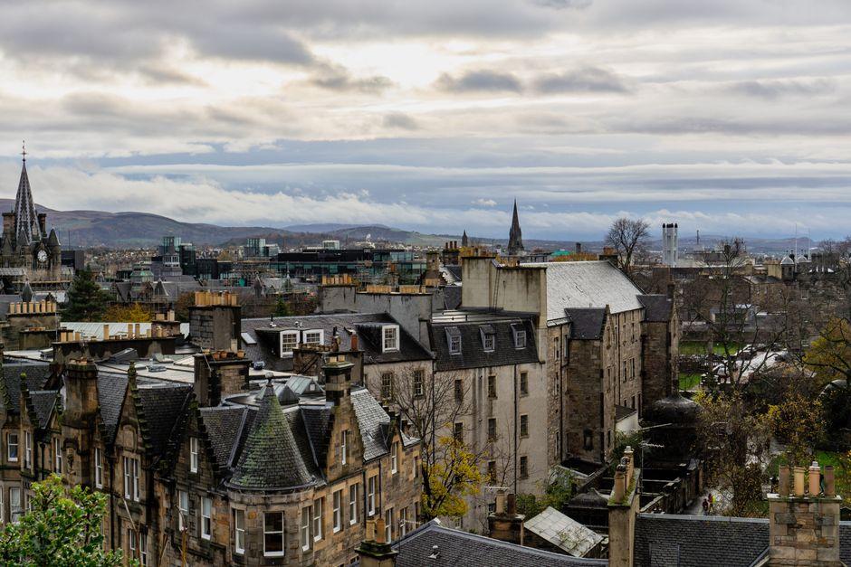 "Edinburgh, Scotland. / Photo: <a target=""_blank"" href=""https://unsplash.com/@emilyunderworld"">Emily Underworld</a>, Unsplash, CC0,"