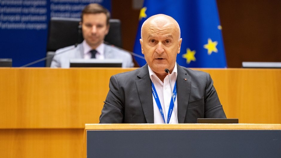 """Member of the European Parliament, Pedrag Fred Matic, presenting the report on sexual and reproductive health and rights report, 23 June. / Photo: <a target=""""_blank"""" href=""""https://www.europarl.europa.eu/portal/en"""">Philippe Buissin, © European Union 2021</a>.,"""
