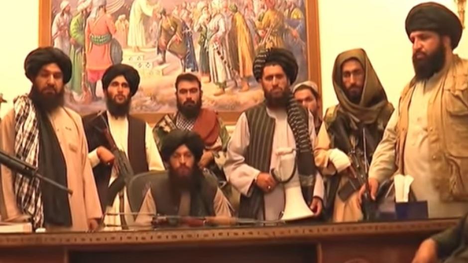 Taliban take over the presidential palace after Ghani's flight /Scrreenshot  Al JAzeera TV.,
