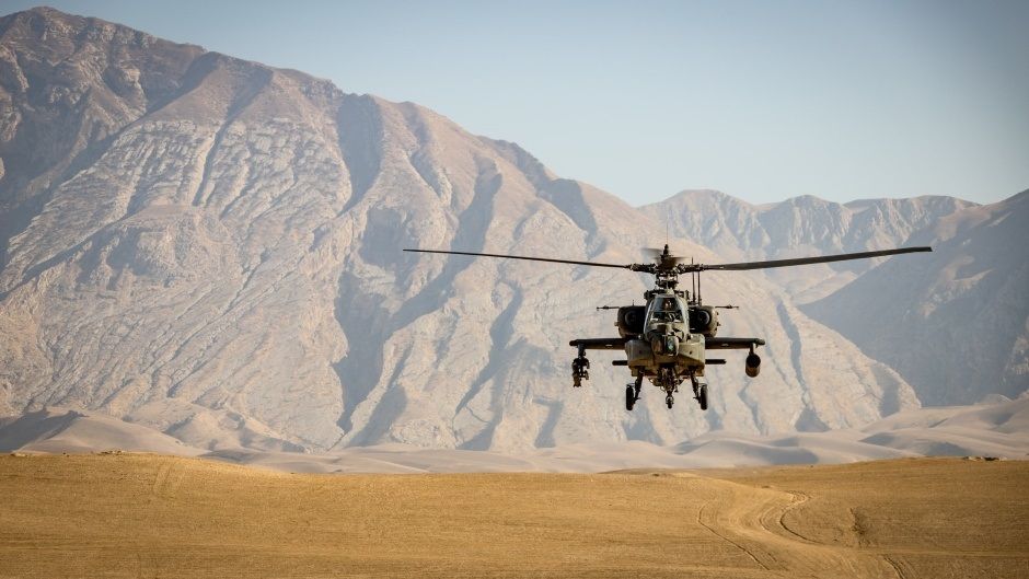 """A military helicopter in Afghanistan, in 2020. / Photo: <a target=""""_blank"""" href=""""https://unsplash.com/@andre_klimke"""">Andre Klimke</a>, Unsplash, CC0.,"""